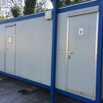 Jack Leg Mains Toilet Block For Sale